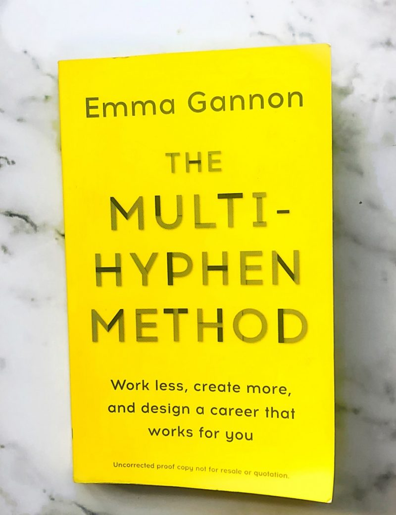 This multi-hyphen method reviews explains why this is one of my favourite books and why every freelancer needs to read the multi-hyphen method!
